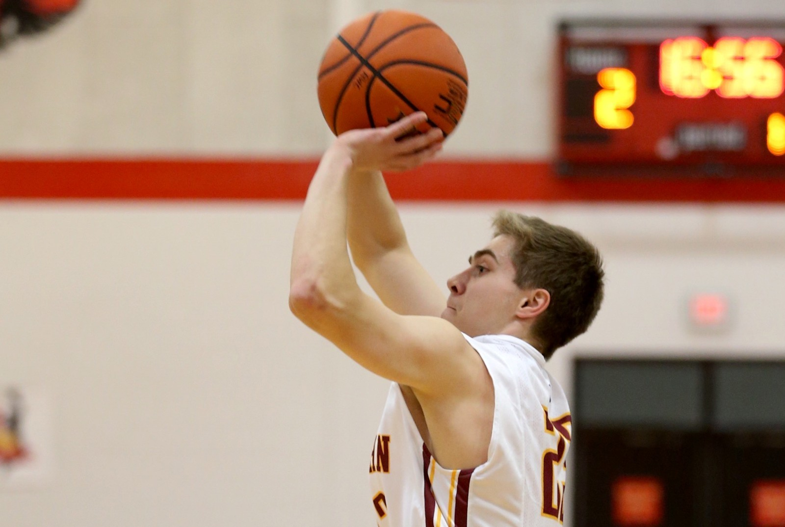 Mens basketball rallies past ithaca st john fisher college athletics sausville publicscrutiny Choice Image